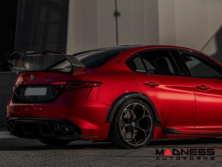 Alfa Romeo Giulia Trunk Spoiler - GTAm - Carbon Fiber - Italian Flag Lip