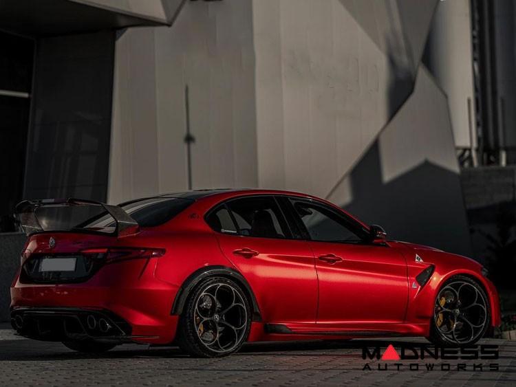 Alfa Romeo Giulia GTAm Style Side Skirts - Carbon Fiber