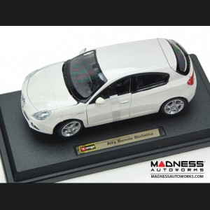 Alfa Romeo Giulietta Die Cast Model - 1:24 Scale - White