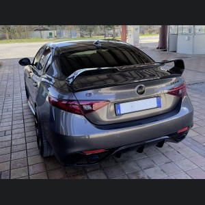 Alfa Romeo Giulia Trunk Spoiler - GTAm Style - 100% Carbon Fiber - Regular Carbon Weave