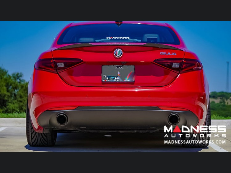alfa romeo giulia 2 0l performance exhaust by madness lusso dual side exit blue flame. Black Bedroom Furniture Sets. Home Design Ideas