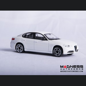 Alfa Romeo Giulia Die Cast Model - 1:43 Scale - White - Streets of Fire Series