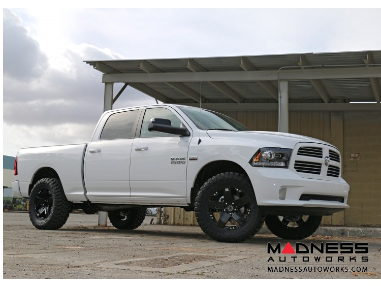 Dodge Ram 1500 4WD Suspension System - Stage 4