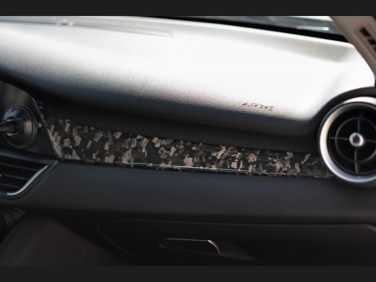 Alfa Romeo Giulia Dash Trim Kit - Forged Carbon Fiber - Feroce