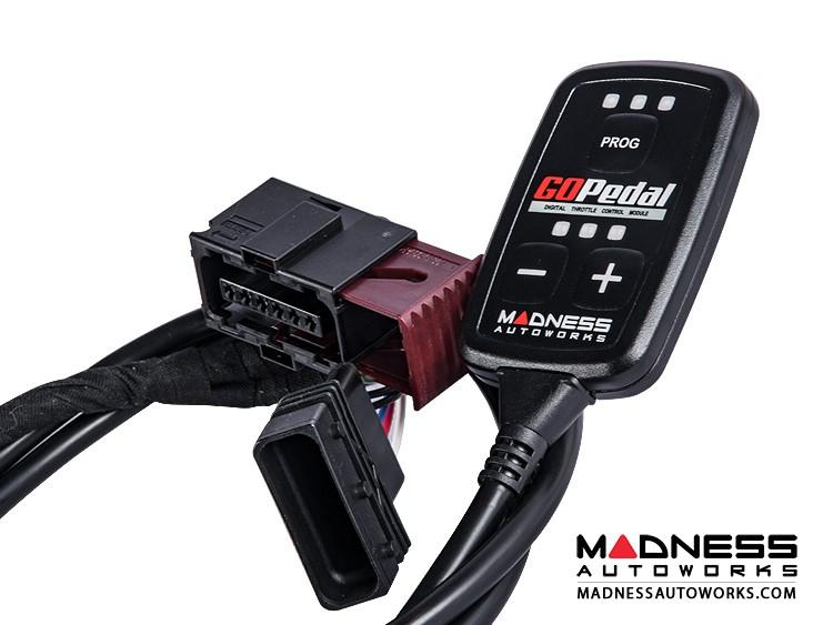 Jeep Wrangler JK 2.8L Diesel Throttle Controller - MADNESS GOPedal (2007 - 2017) - EU Model