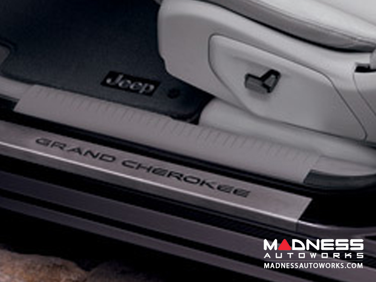 Grand Cherokee 4 pc Sill Kit w/ logo