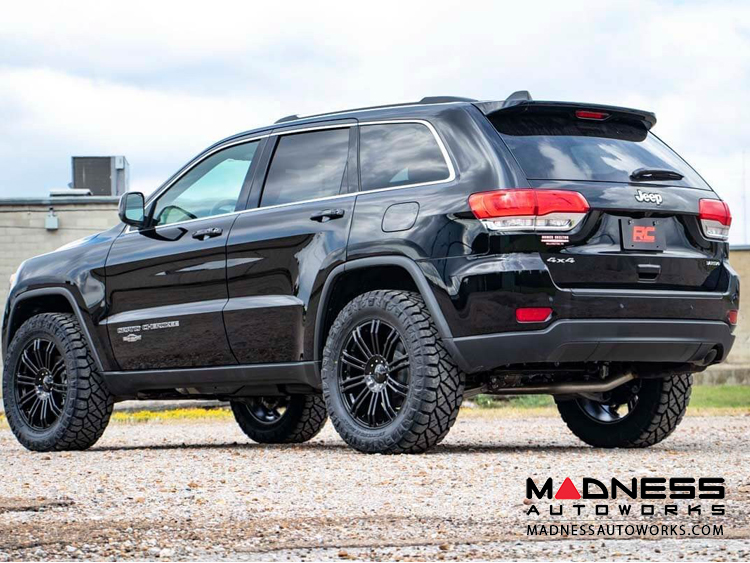 Jeep Grand Cherokee Aftermarket Parts >> Jeep Grand Cherokee Wk2 Lift Kit 2 5 Lift 2011 2018