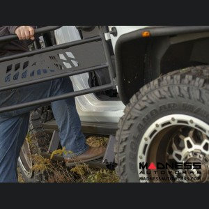 Jeep Wrangler JL ACTIONTRAC Powered Running Boards