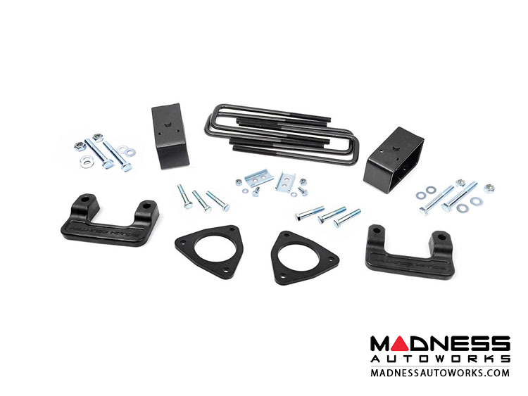 GMC Sierra 1500 w/ Magnaride 2.5in Leveling Lift Kit (2014 - 2018)