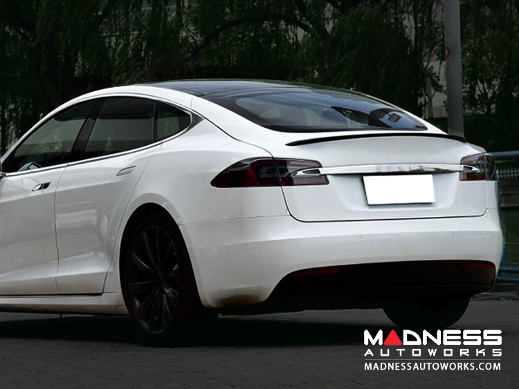 Tesla Model S Rear Diffuser w/ Custom Splitters - Carbon Fiber